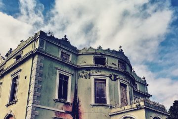 Hope Castle 01 | Urbex Ireland | thefrozendivide