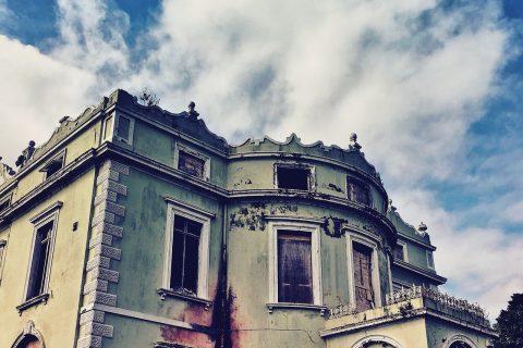 Hope Castle 01   Urbex Ireland   thefrozendivide