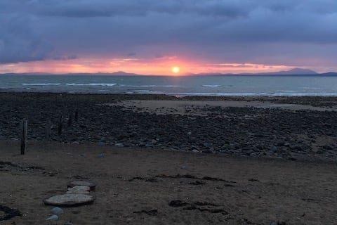 Llandanwg Beach Sunset Timelapse | The Frozen Divide